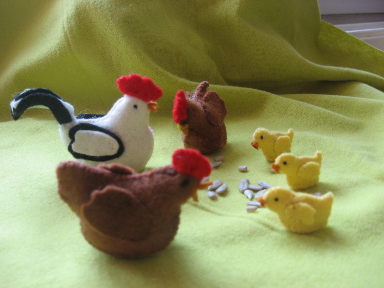 Haan, kip en kuikens van vilt seizoentafel Atelier de Vier Jaargetijden
