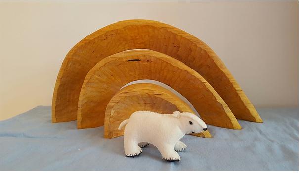 IJsbeer van vilt voor op de seizoentafel