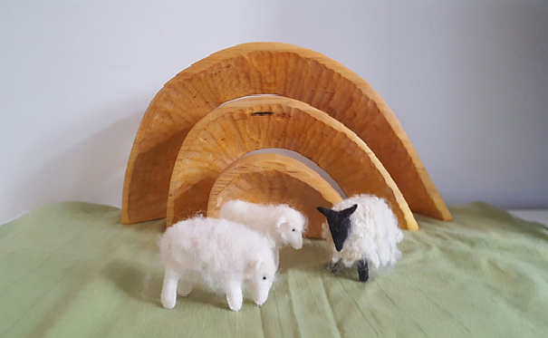 Atelier de Vier jaargetijden Waldorf Nature table sheep seizoentafel