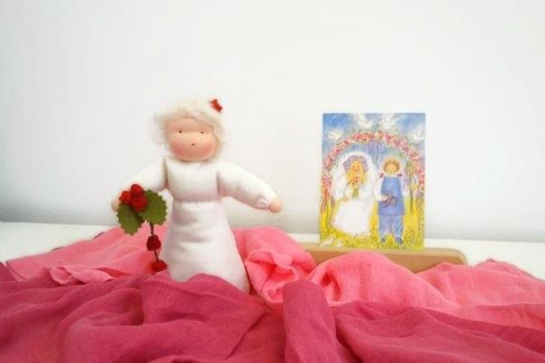 Een Bruidspopje gemaakt van vilt